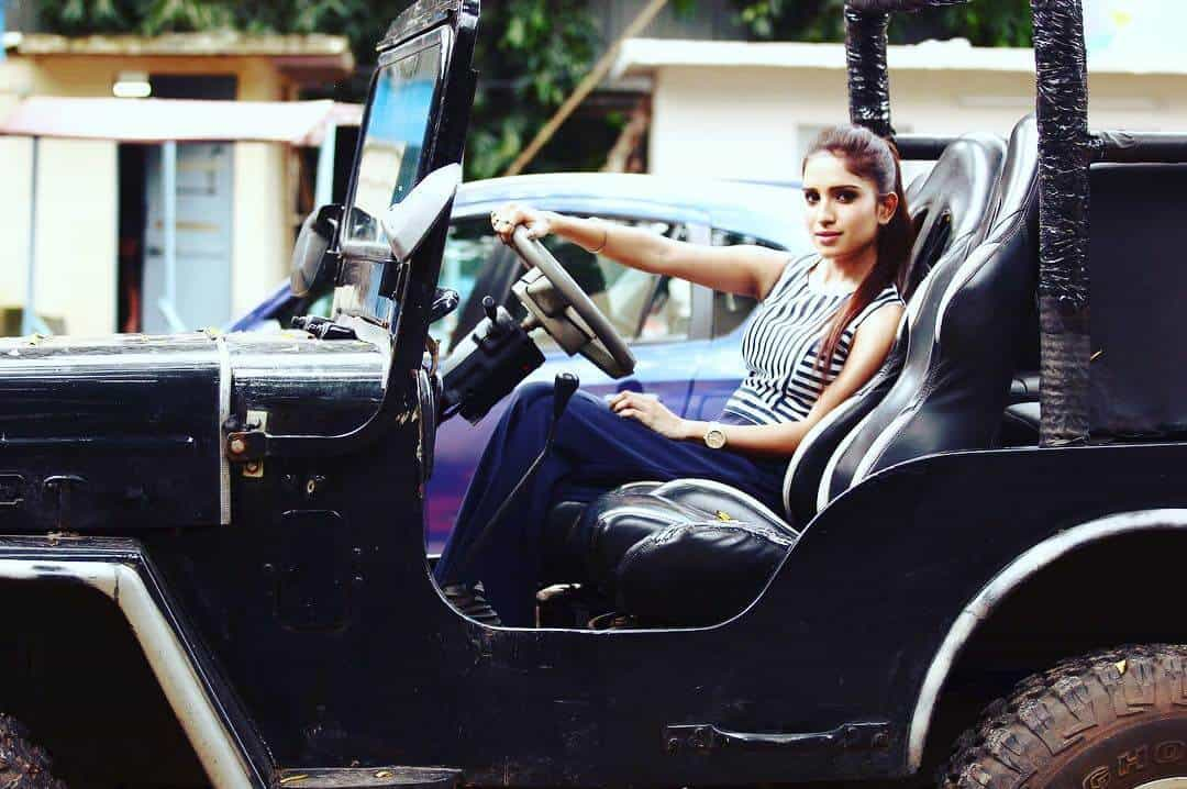 actress neha chowdhury image
